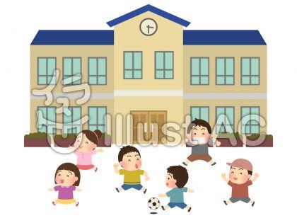 校庭でサッカーをする小学生のフリー素材